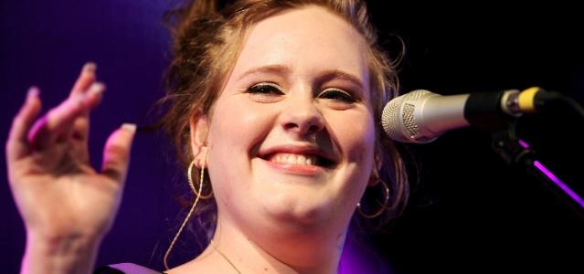 Adele canta em festival na Inglaterra (11/05/2008)